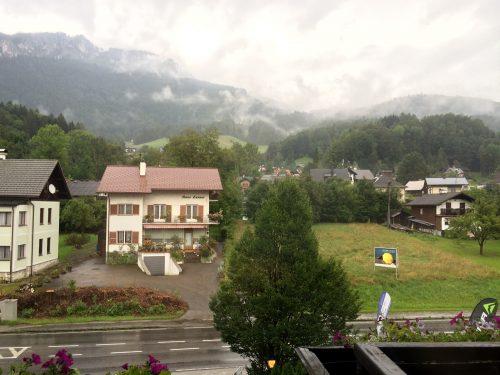 Blick vom großzügigen Balkon im Hotel Lindwurm